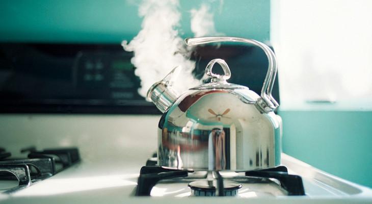 Як очистити чайник від накипу за допомогою оцту: способи