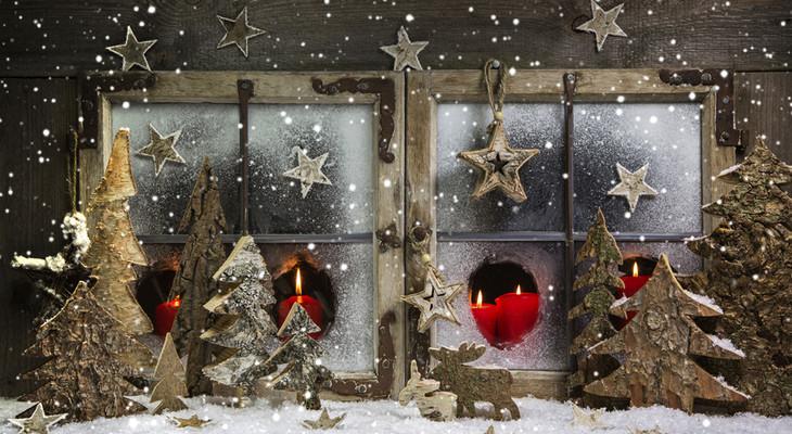 Малюнки на вікнах до Нового року зубною пастою або фарбами