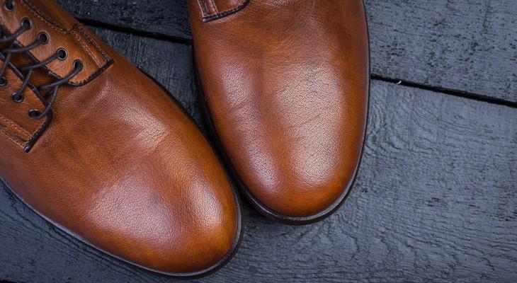Як розтягнути шкіряне взуття в домашніх умовах до потрібного розміру