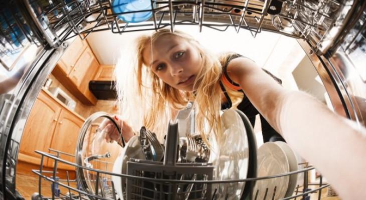 Як почистити посудомийну машину в домашніх умовах