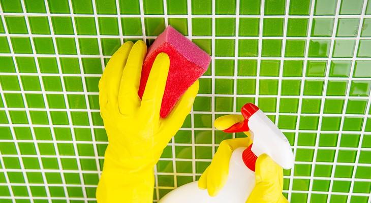 Як відмити плитку після ремонту підручними засобами