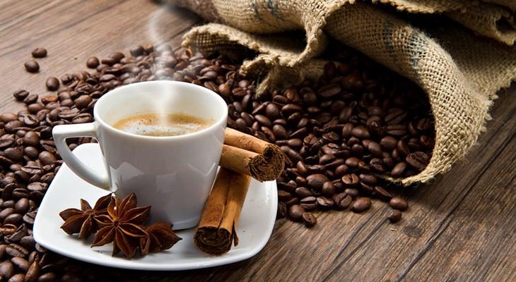 Як зберігати каву в зернах: місце, умови, ємність для зберігання