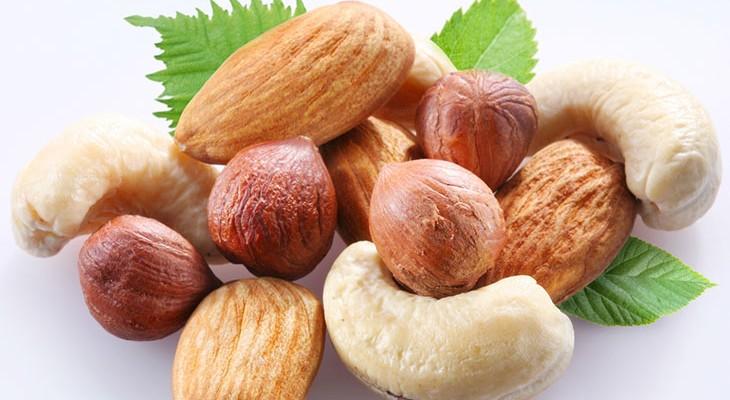 Як зберігати очищені горіхи: кедрові, волоські, фундук