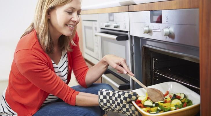 Яка духовка краще: газова або електрична?