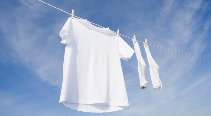 Як відбілити футболку, не зіпсувавши її