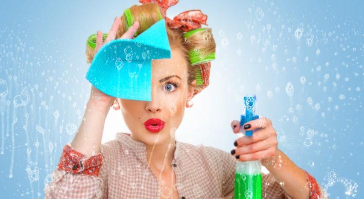 Як очистити скло від скотчу народними методами
