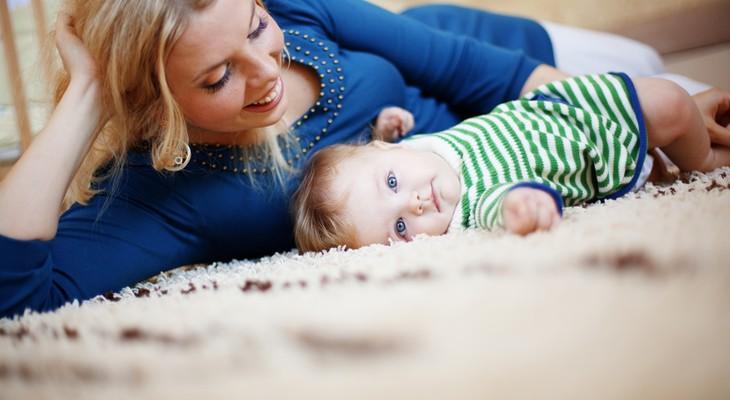 Як позбутися запаху сечі на килимі