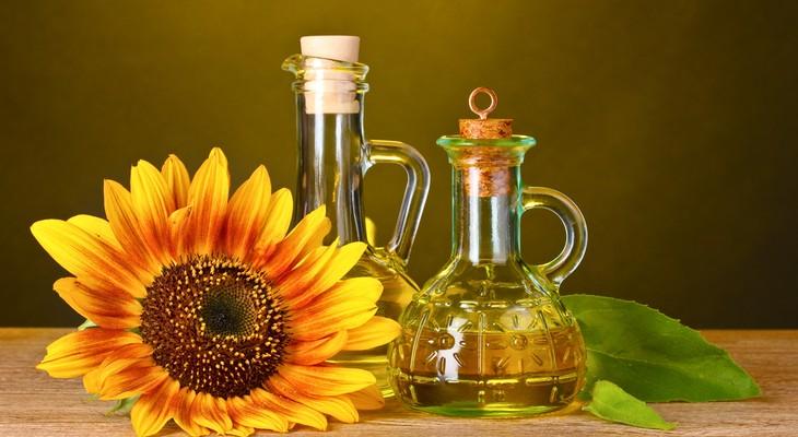 Як відіпрати соняшникову олію з одягу