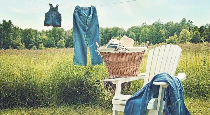 Як швидко висушити джинси після прання