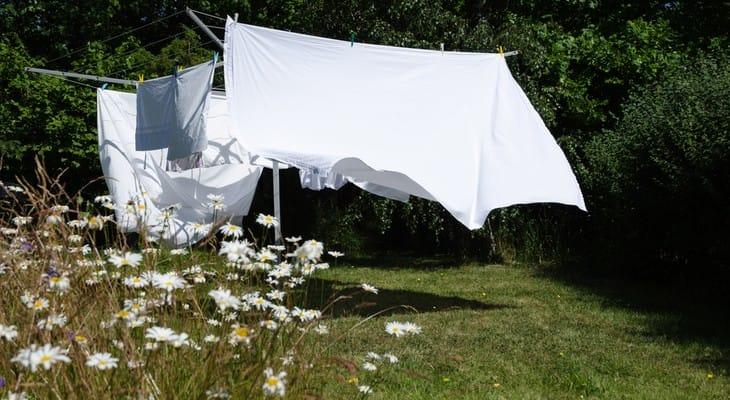 Як прати постільну білизну в пральній машині