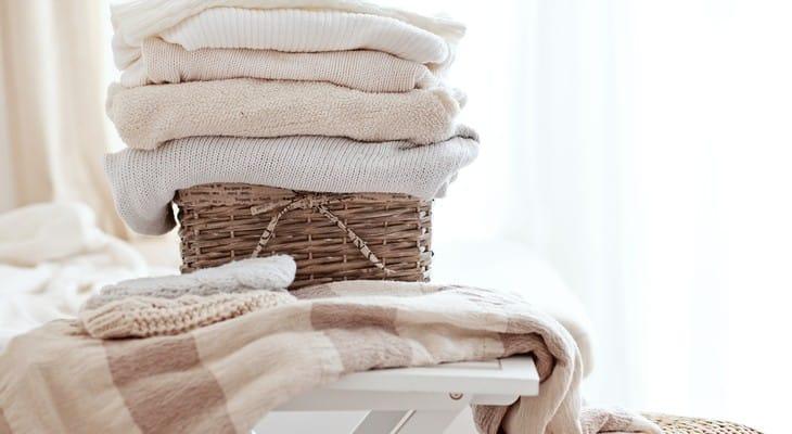 Як прати вовняні речі та правильно їх сушити