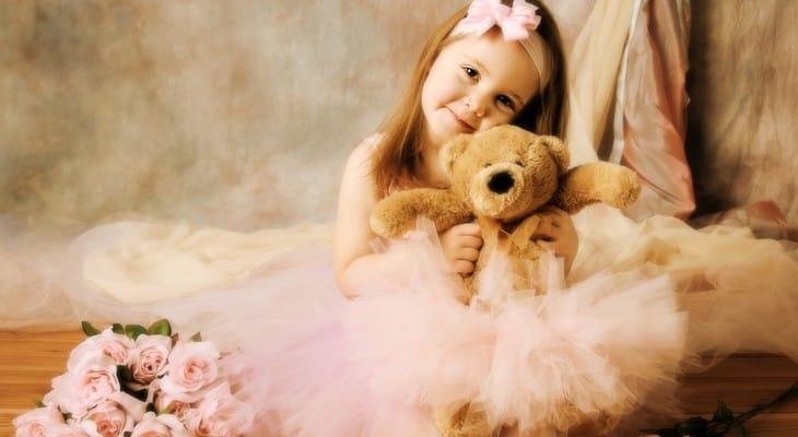 Як прикрасити сукню (дитячу і дорослу) в домашніх умовах