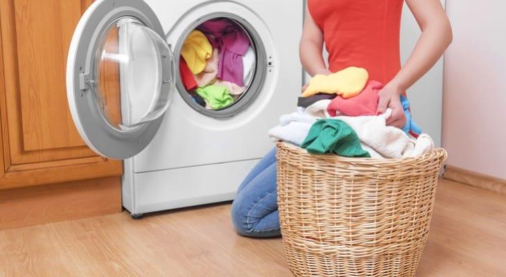 Як відіпрати злинялу річ (білу, кольорову) в домашніх умовах