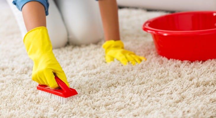 Чистка килимів в домашніх умовах содою і оцтом