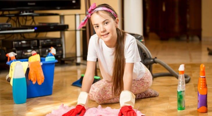Як правильно мити підлогу шваброю і вручну