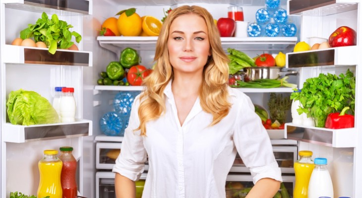 Чому продукти зберігають в холодильнику: принципи