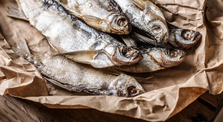 Як зберігати сушену рибу в домашніх умовах