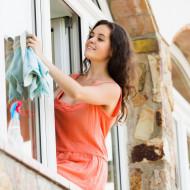 Як помити вікна без розводів: секрети досвідчених господинь