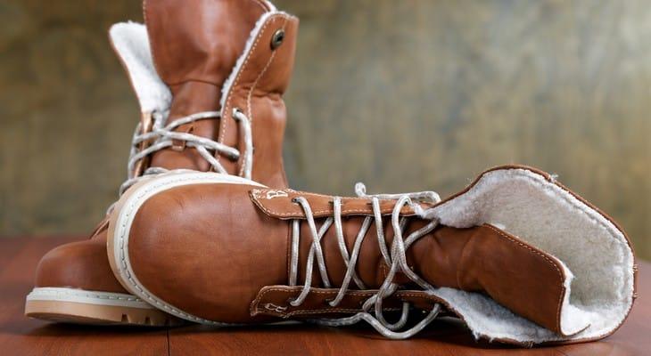 Догляд за взуттям з нубуку в домашніх умовах