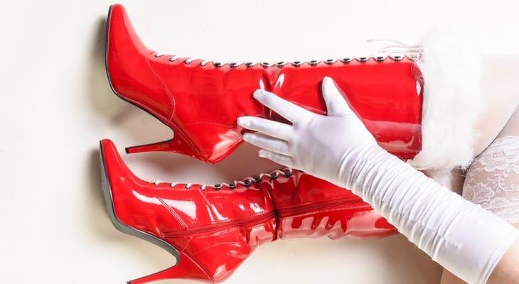 Як доглядати за лаковим взуттям