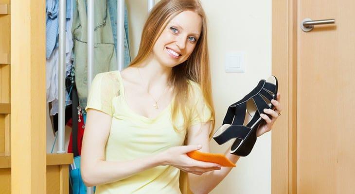 Як доглядати за замшевим взуттям, щоб надовго зберегти його вигляд