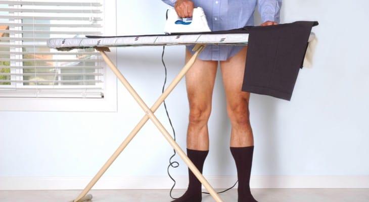 Як прасувати брюки зі стрілками, щоб вони довше трималися