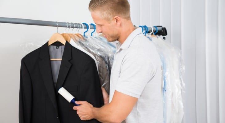 Як почистити піджак без прання в домашніх умовах