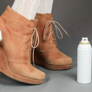 Як почистити замшеве взуття в домашніх умовах від бруду і плям