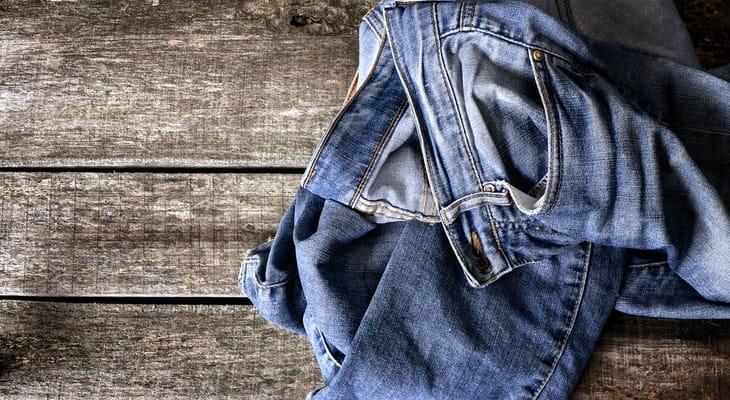 Як відіпрати кров на джинсах