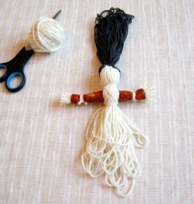 Як зробити ляльку мотанку з ниток