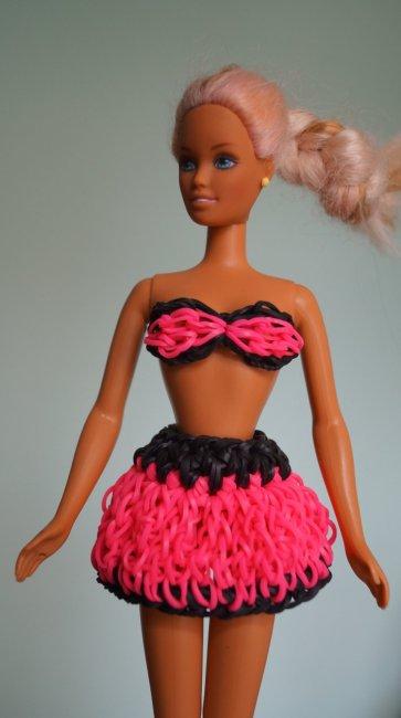 Як зробити з резинок одяг для ляльки